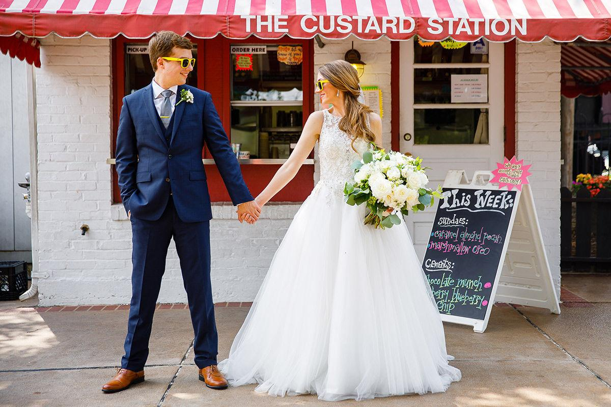 Daniel And Megan Reach For Stars At Wedding St Louis Best Bridal Features Stltoday