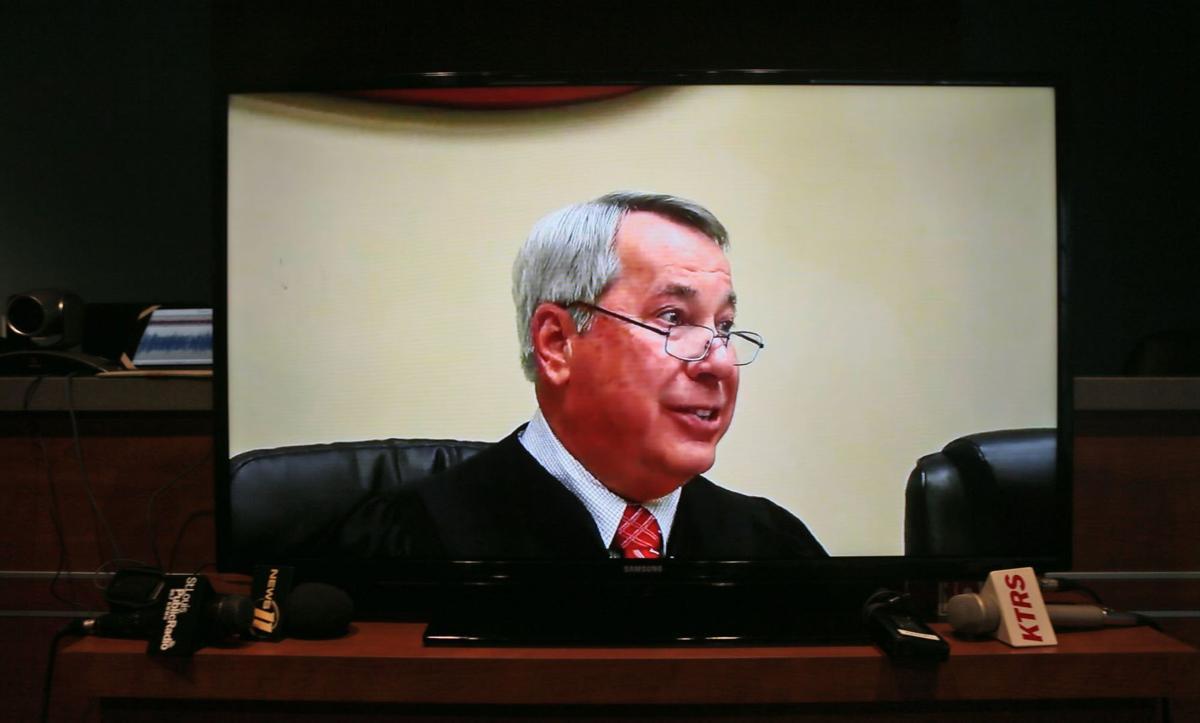 Ferguson municipal court resumes with new judge