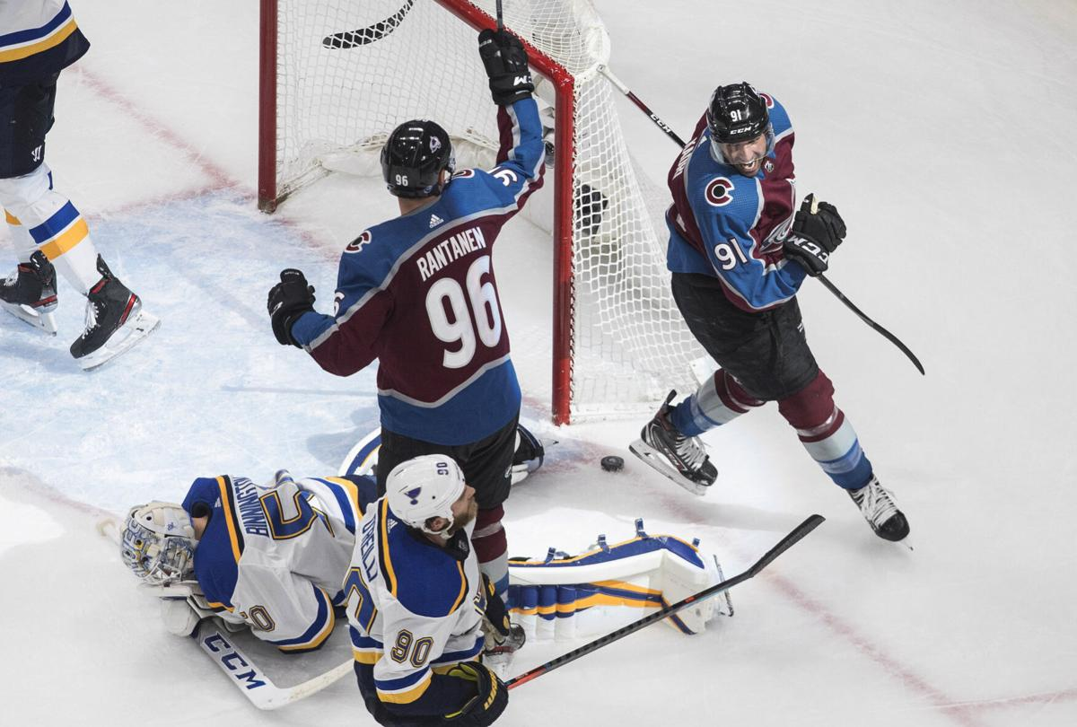 Split Second Shocker Blues Return Is Smothered By Avalanche S Buzzer Beating Goal St Louis Blues Stltoday Com