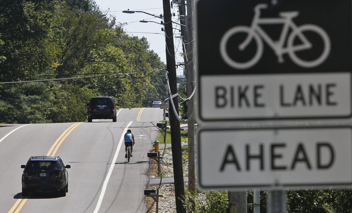 Des Peres residents discuss possible new bike lanes