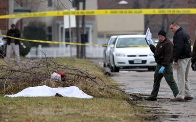 Man found dead in field in East St. Louis