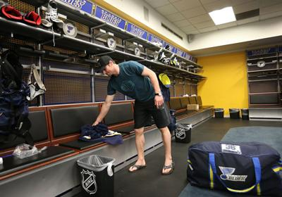 St. Louis Blues clean out lockers