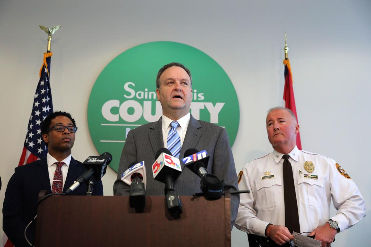 County executive announces ban on events with more than 250 people in St. Louis County