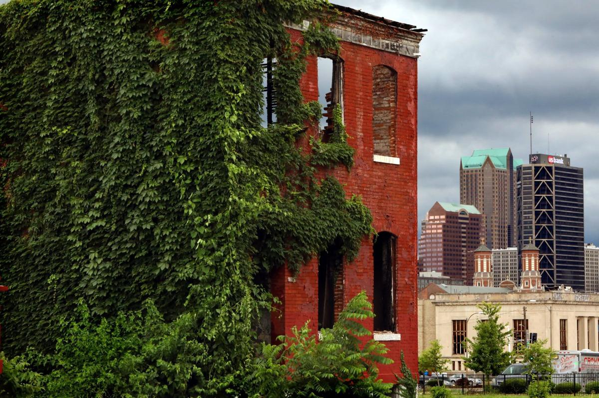 Vacant neighbors, vacant homes