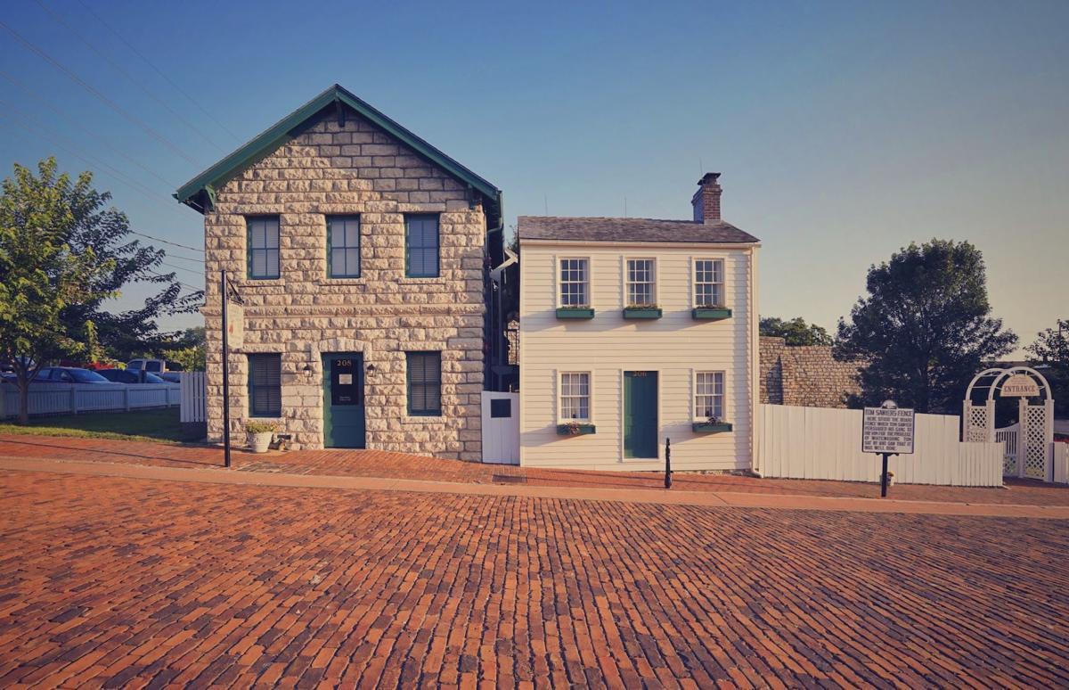 Mark Twain's Boyhood Home (long shot)