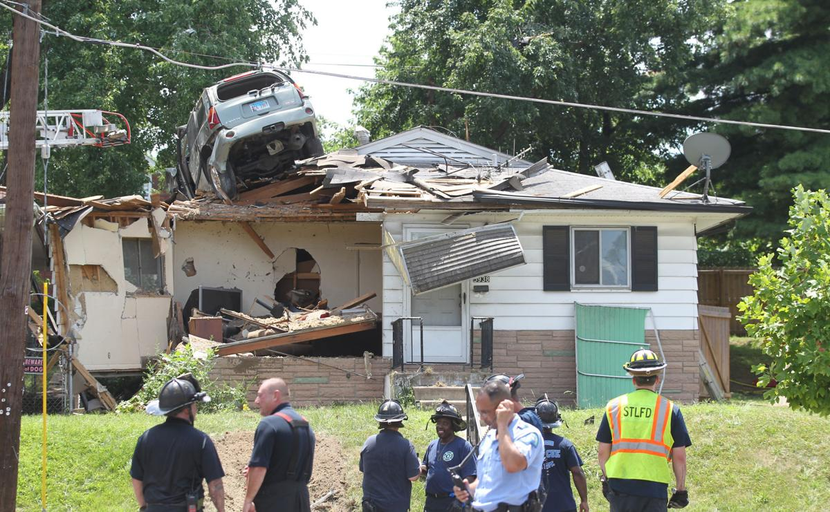 St Louis Homeowner Returns From Gym To Find An Suv Crashed Into
