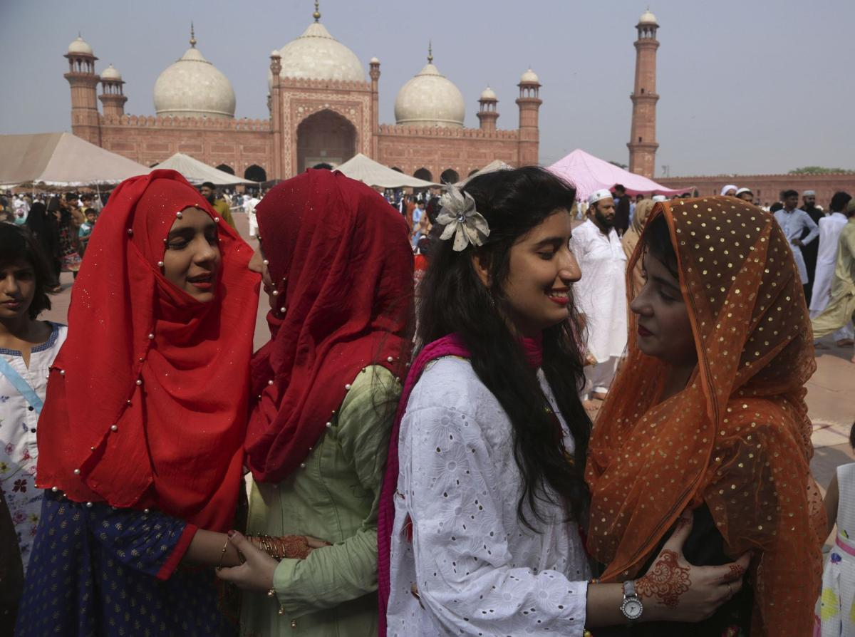 Muslims across the globe mark the end of ramadan faith values pakistan eid kristyandbryce Images