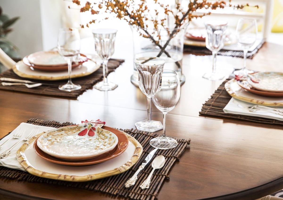 how to set a rustic and warm thanksgiving table | holidays