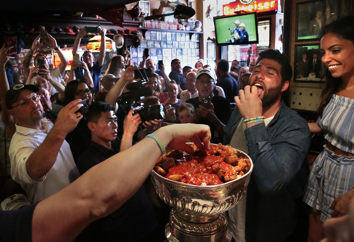 Maroon's day with the Cup: cereal, toasted ravioli and old friends