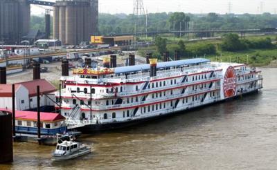 Casino Queen Boat