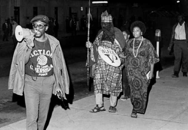 1969 Activists picket the Veiled Prophet Ball