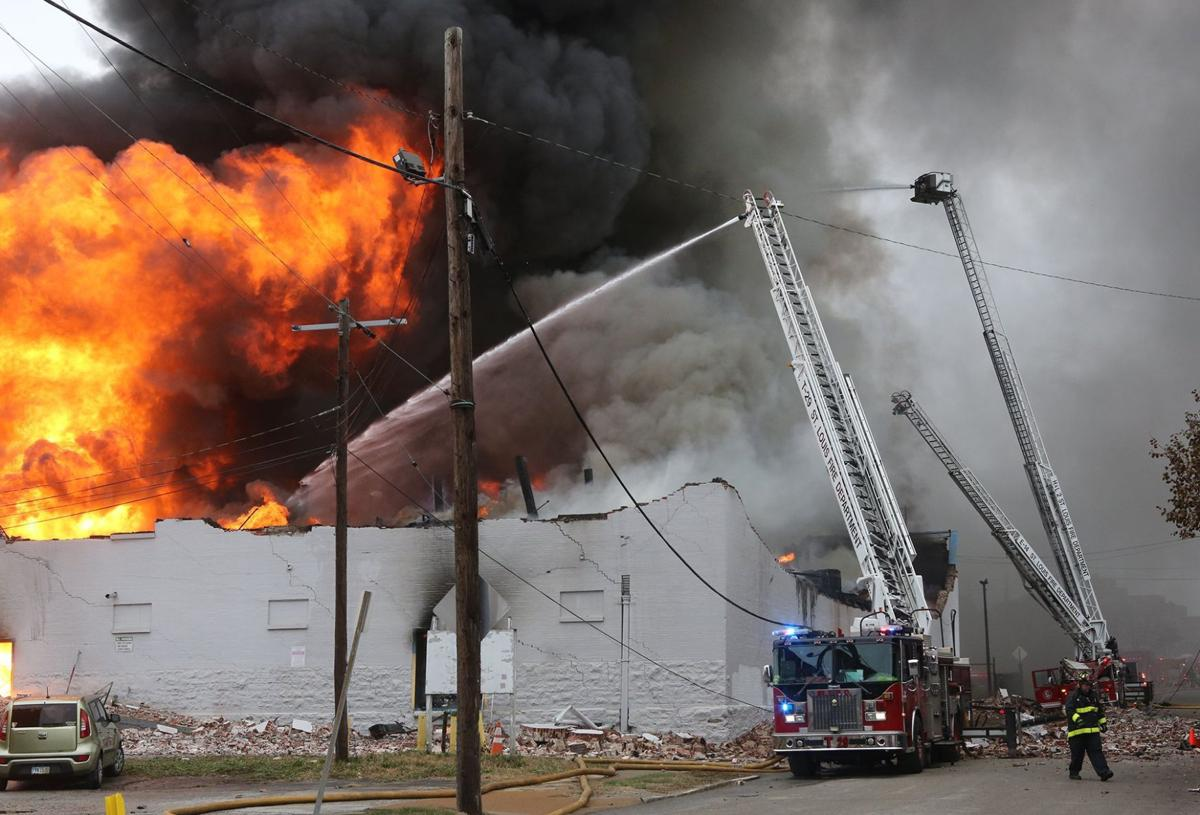 Five-alarm fire destroys St. Louis warehouse