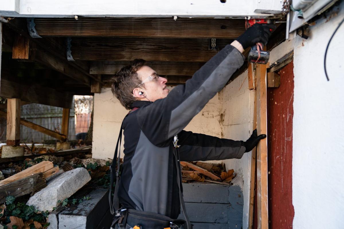 Electrician helps Walnut Park West resident