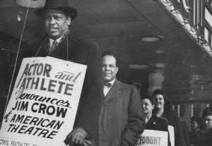 Jan. 25, 1947 • Paul Robeson Märsche Innenstadt zum protest gegen Das amerikanische Theater ist getrennt Sitzgelegenheiten