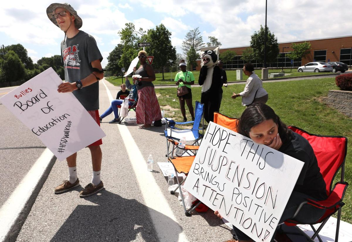 Protest continues over Hazelwood West suspension of students
