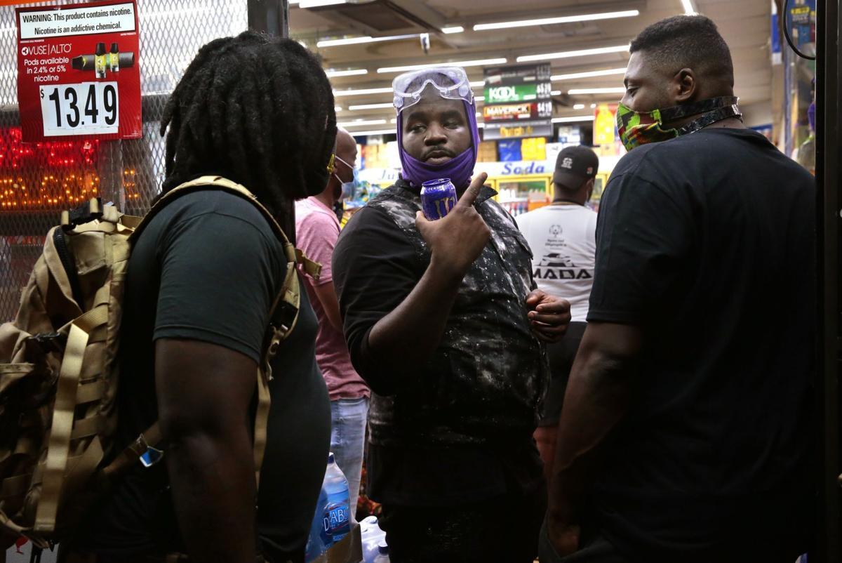 Protesters return to Ferguson