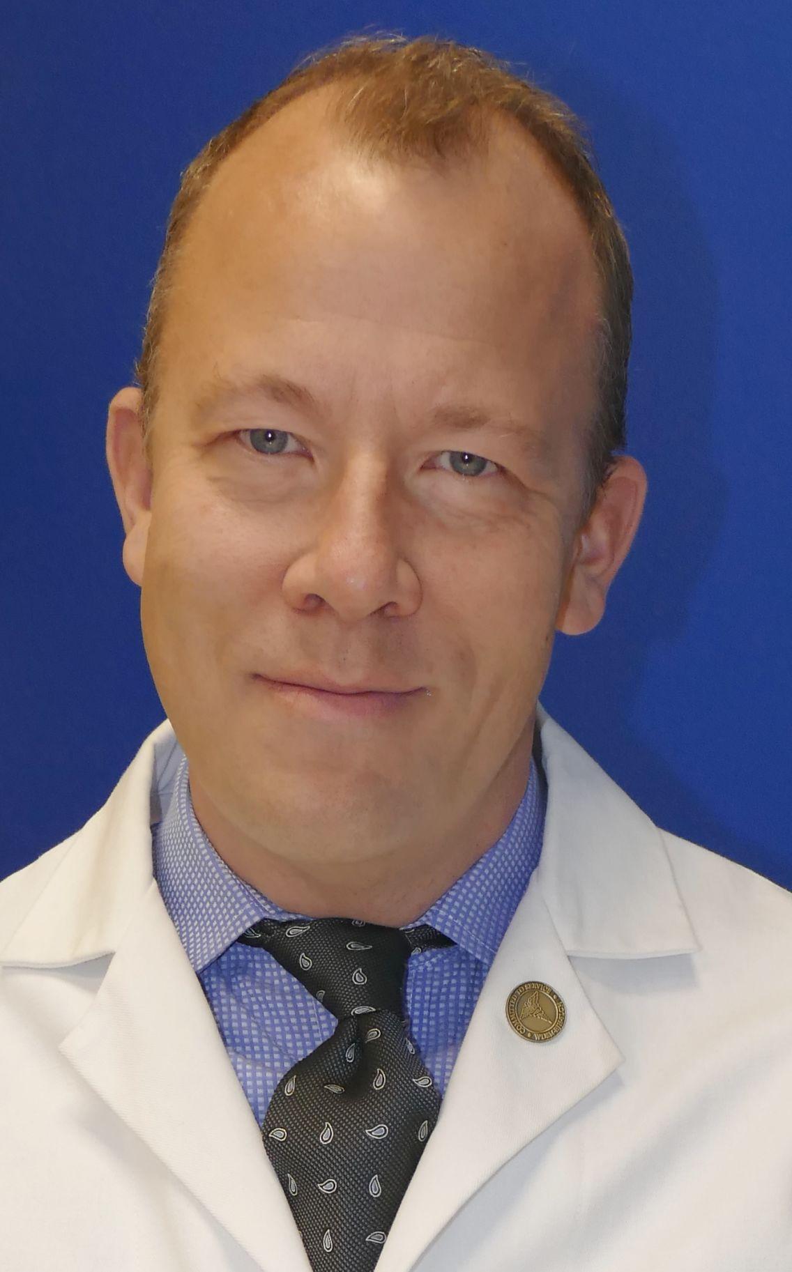 Dr. Eric Lenze