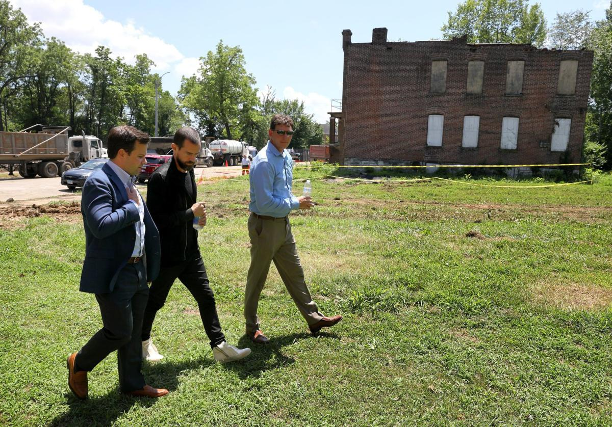 St Louis Native Dorsey And Philanthropist Pulte Visit North St Louis To Launch New Blight Nonprofit Metro Stltoday Com
