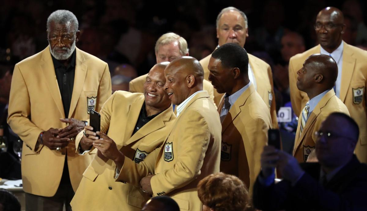 Warner receives Hall of Fame gold jacket