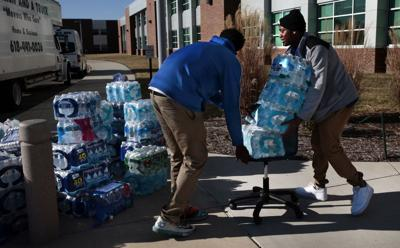 East St. Louis students help Flint families with 15 thousand bottles of water