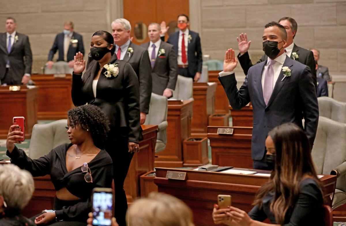 New lawmakers sworn in as Missouri's 2021 legislative session starts