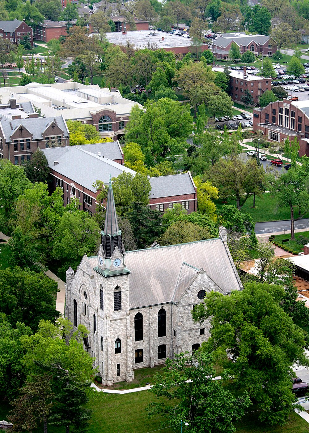 Nestled in the heart of Springfield, Missouri, the 140-year-old Stone Chapel welcomes visitors to the Drury University campus.