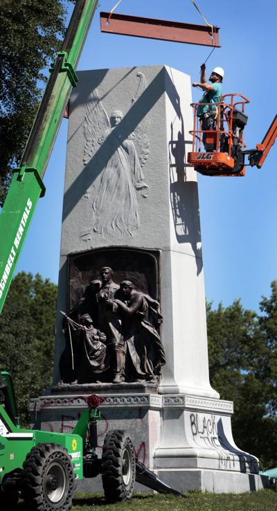 Rigging in place for Confederate monument removal