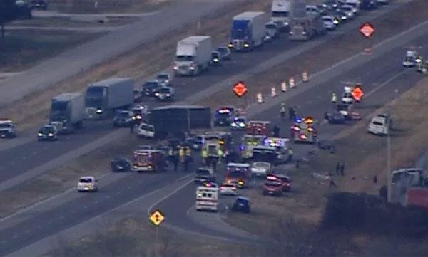 Massive i 55 crash leaves 10 hurt 3 with life threatening injuries multi vehicle crash on interstate 55 near edwardsville publicscrutiny Images