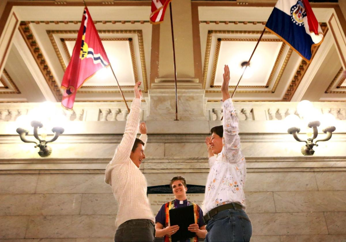 St. Louis marriage licenses allowed for same-sex couples