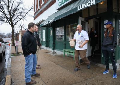 Restaurants adopt to coronavirus shutdown