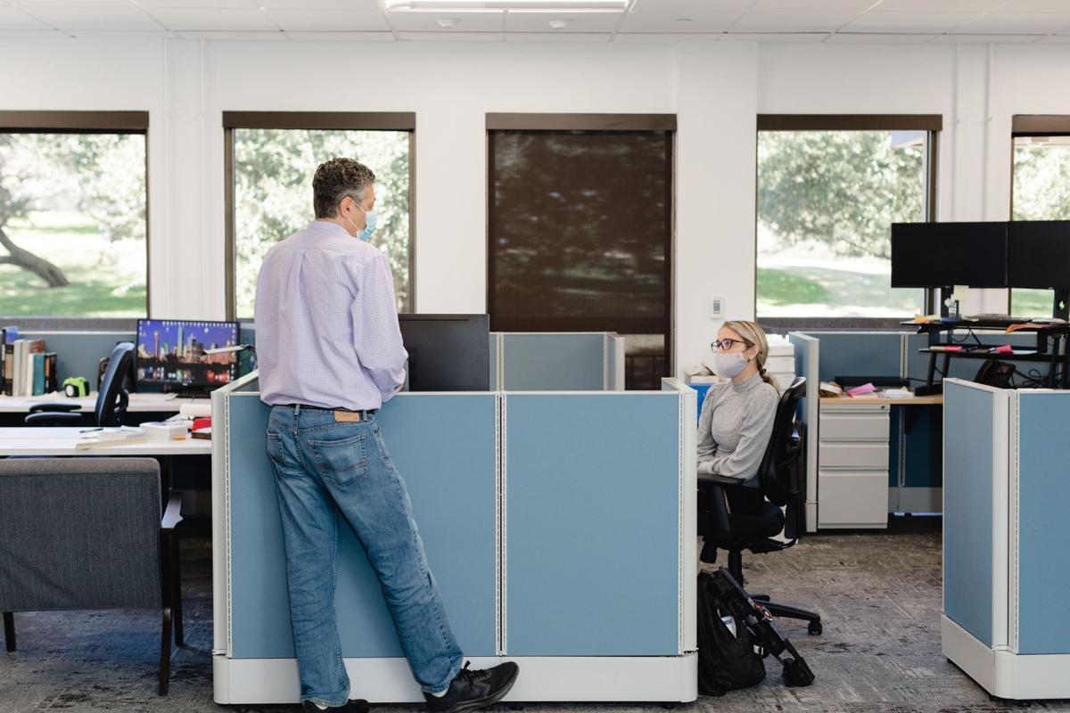 KAI Dallas-Fort Worth Office Workspace
