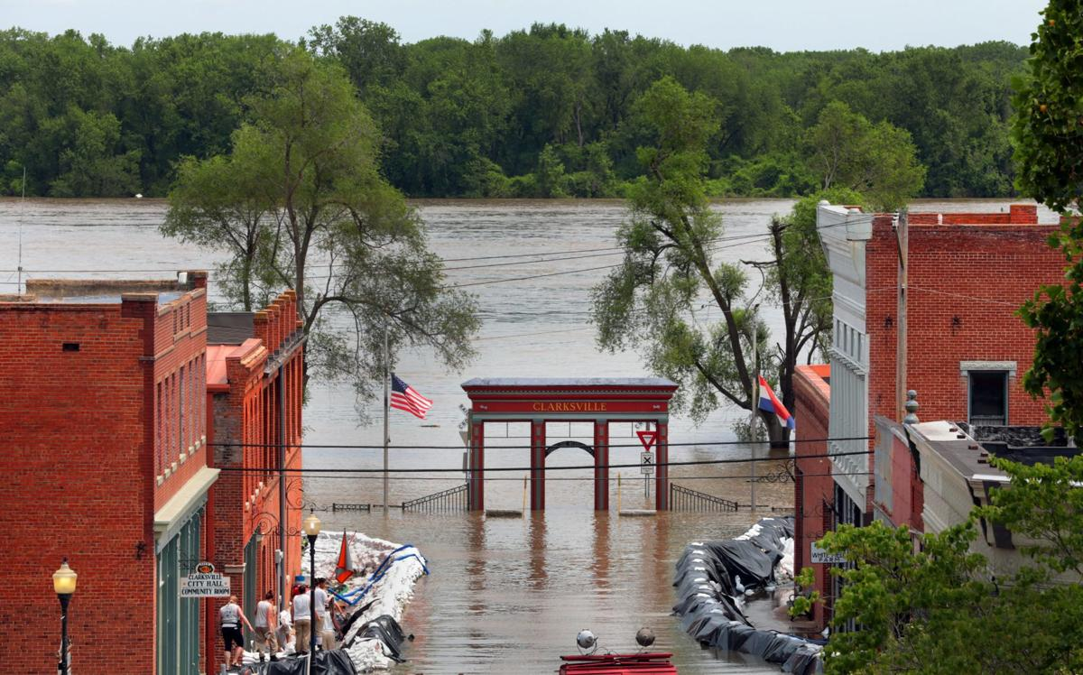 Mississippi River hovers near record level in Clarksville