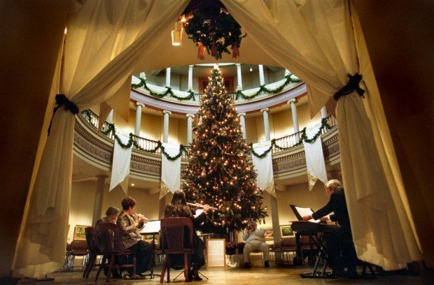 Old Courthouse kicks off holiday season Friday | Joe\'s St. Louis ...