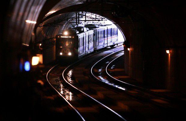 MetroLink train pulls into a tunnel