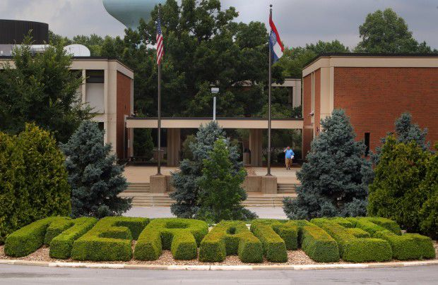 st louis munity college weighs out offers to more than 500
