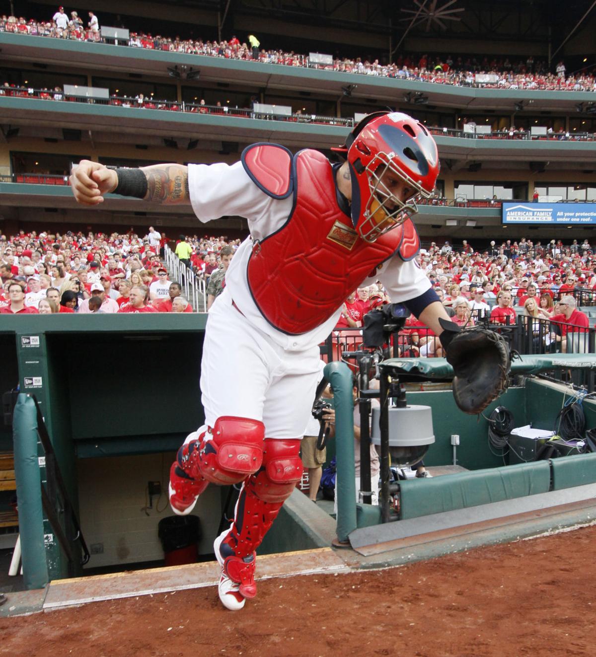 Happy birthday, Yadi: Cardinals catcher turns 37