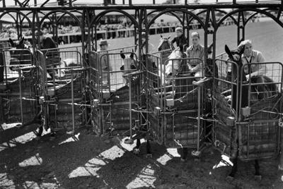 Historical photo of racing at Fairmount Park