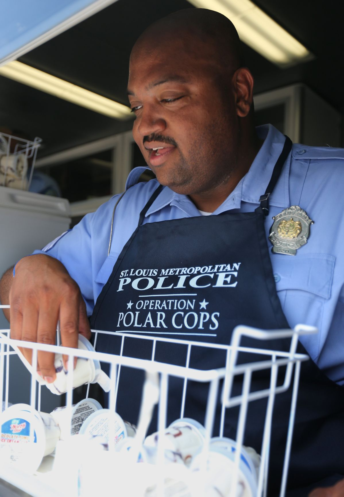 Operation Polar Cops, St. Louis police give free ice cream to kids