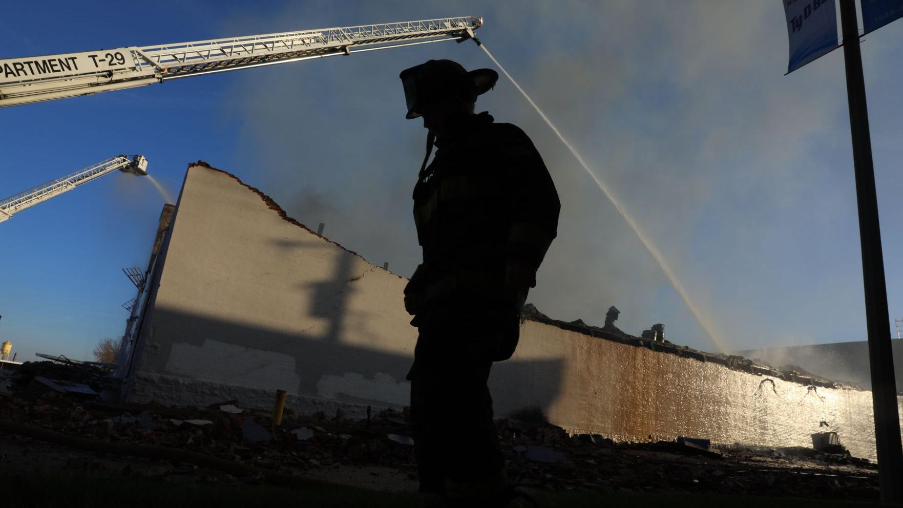After loss of 200,000 books in fire, St. Louis publisher to begin again