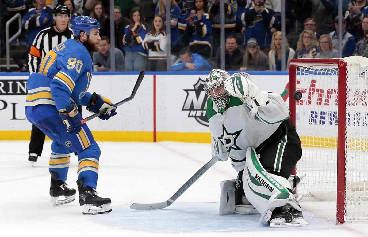 Blues beat Stars in a shootout 4-3