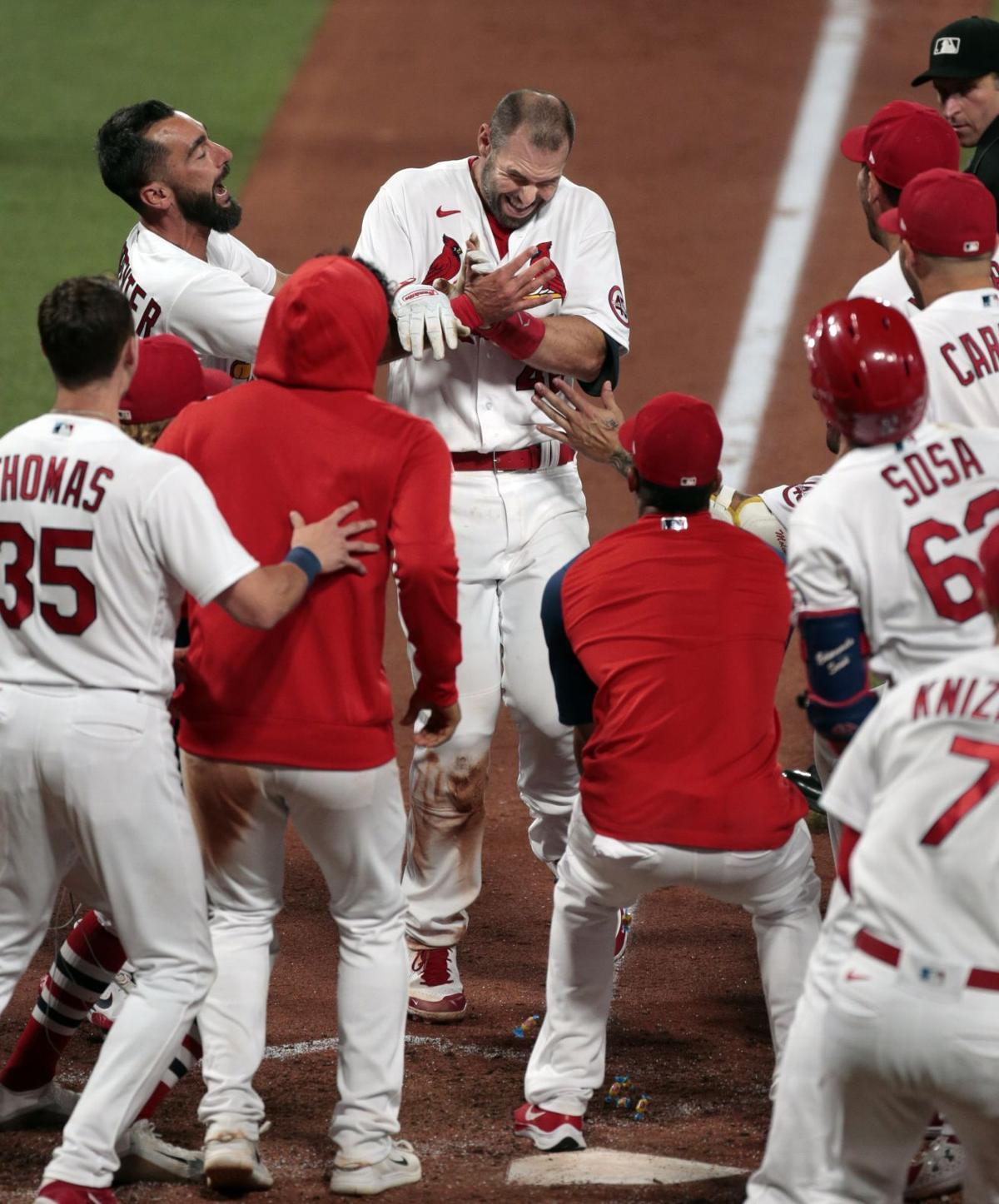 Goldschmidt hits solo home run in the bottom of the ninth for a 2-1 Cardinals win over the Marlins (copy)