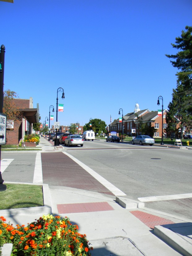 Streetscape To The North Of Hickory Click To Close: Collinsville's Streetscape Project Moves To The East Side