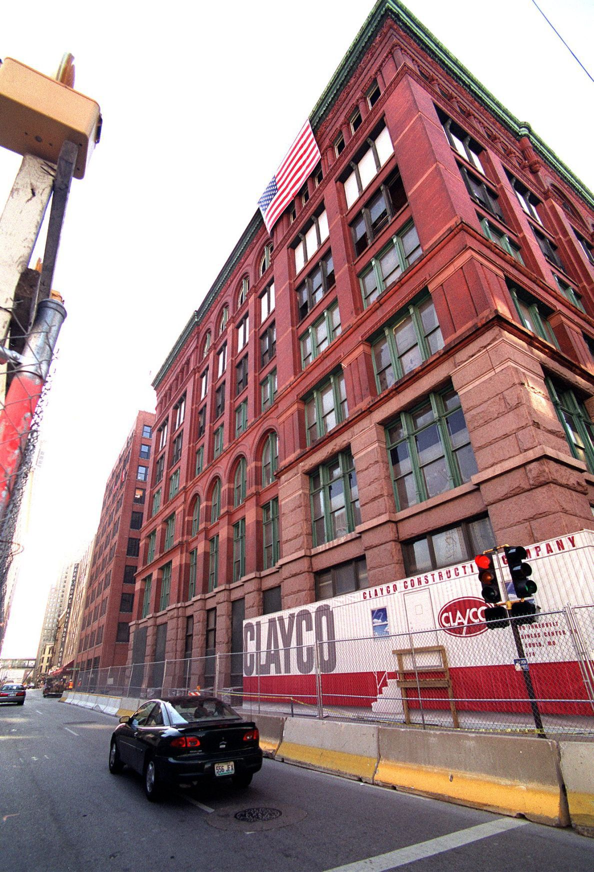 Milwaukee developer buys Merchandise Mart apartment ...
