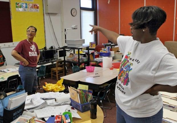 Schools closing in E. St. Louis