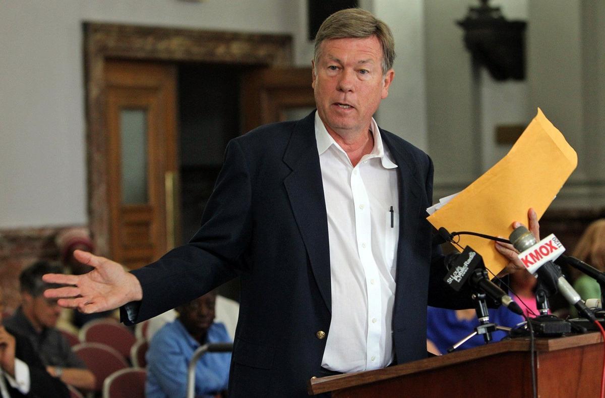 Reverend Larry Rice addresses alderman