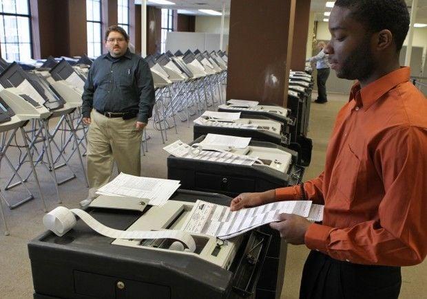 St. Louis test voting machines