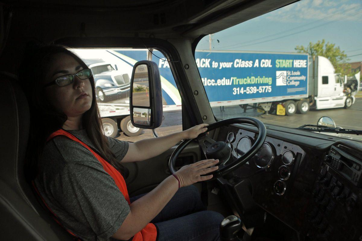 Truck driving program at st louis community college