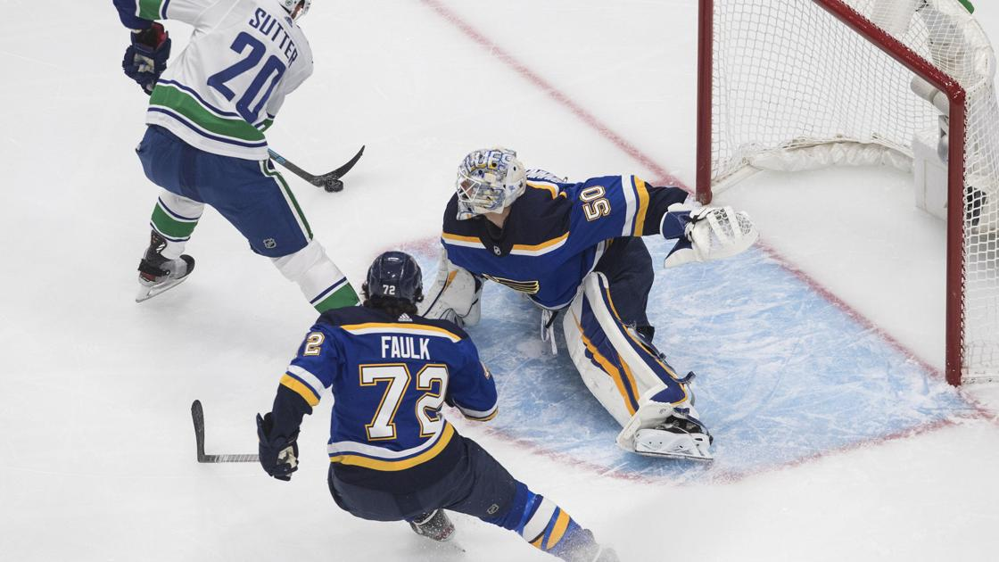 Hochman: The 144 seconds that stunned the Blues and Binnington in Game 1
