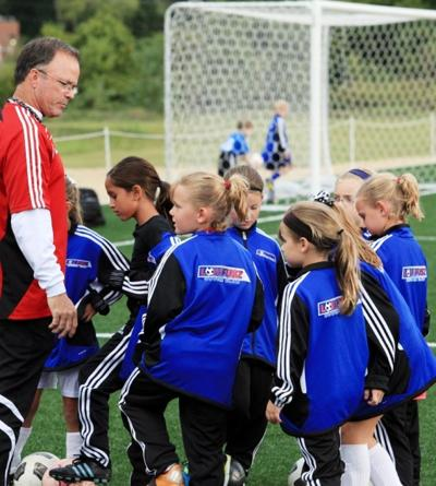 should males and females play on the same sports teams
