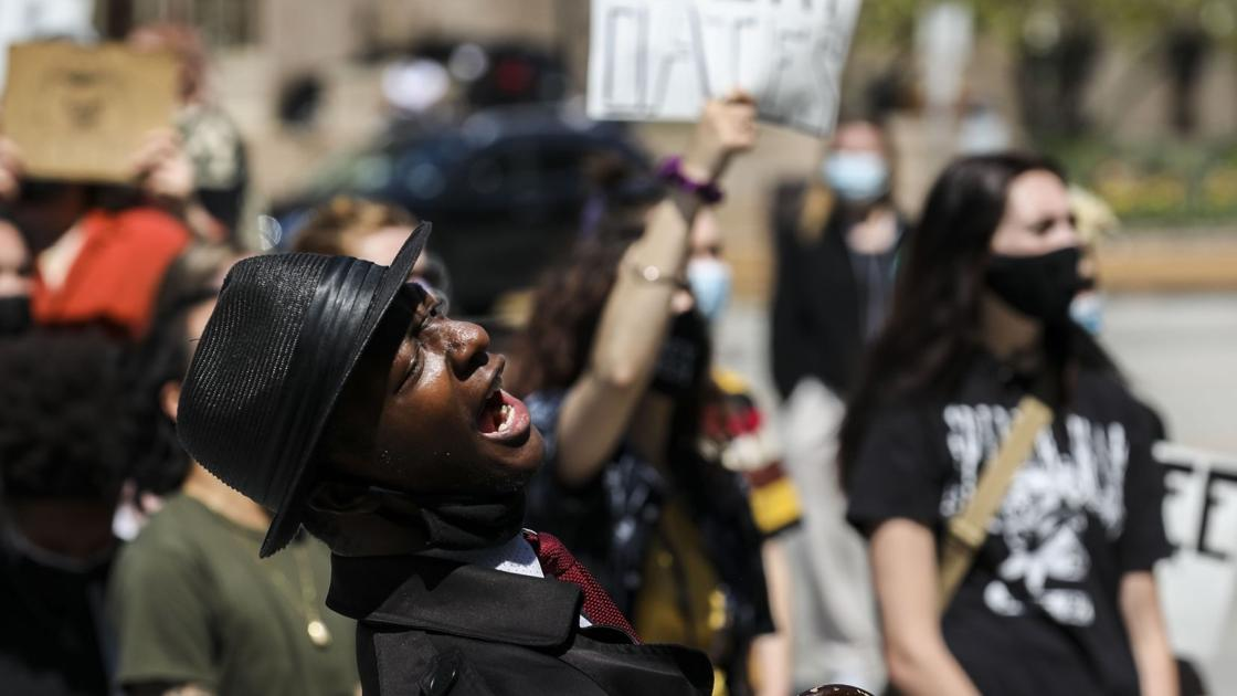 Photos: Protesters demand court dates for those held at St. Louis Justice Center